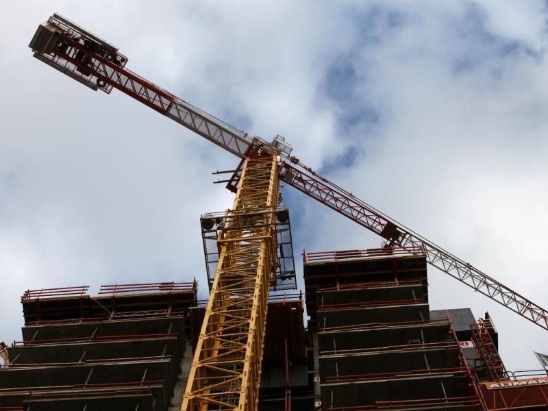 Baugenehmigungen für Wohnungen insgesamt weiter rückläufig