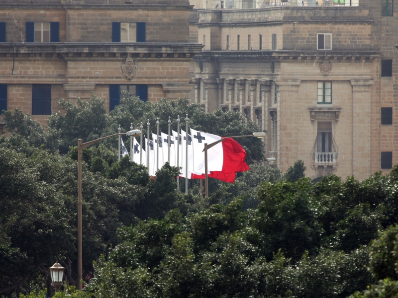 Legal - Illegal? Enthüllt: Deutsche Konzerne benutzen Malta um womöglich Steuern zu drücken