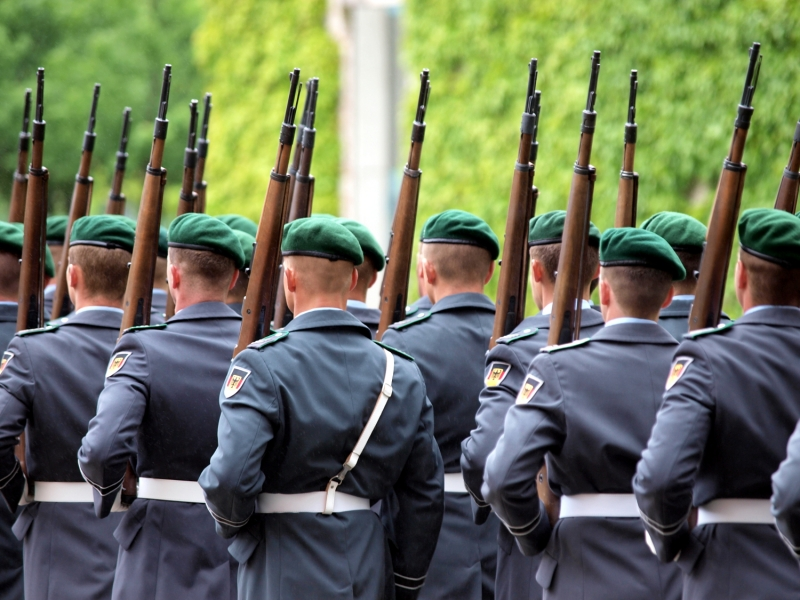 Deutschland: Generalinspekteur ordnet Überprüfung aller Kasernen an