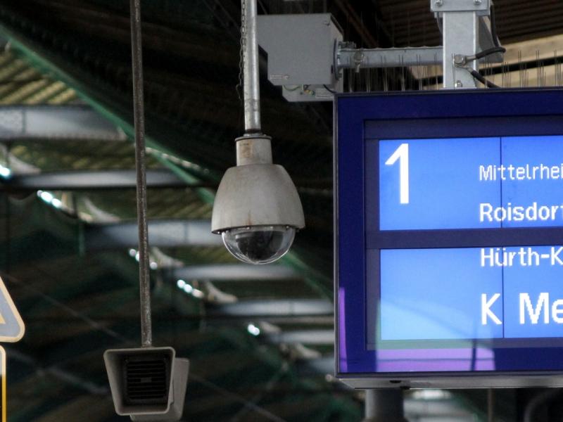 Deutsche Bahn sieht Fahrkarte vor dem Ende