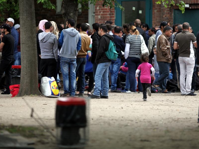 BAMF befürchtet wegen Fall Franco A. Stau bei Asylverfahren