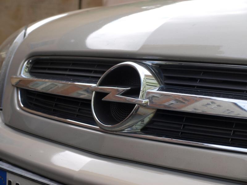 Zypries kritisiert Vorgehen von GM und Peugeot im Fall Opel