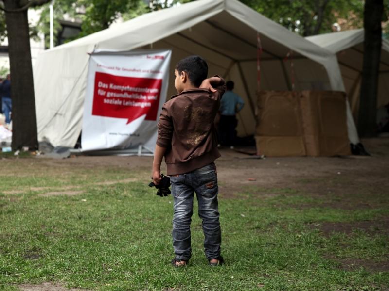 Flüchtlinge in Berlin weiter in Notunterkünften