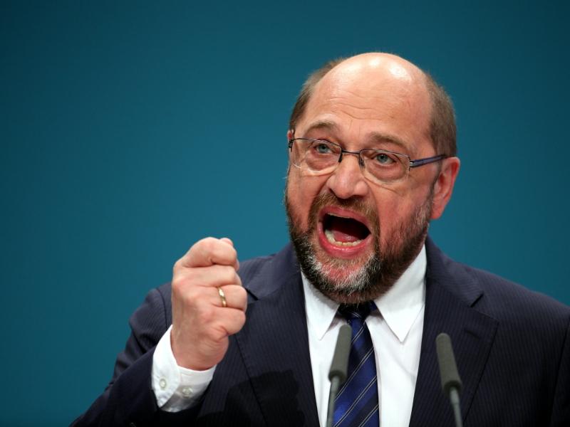 Martin Schulz wirft Merkel
