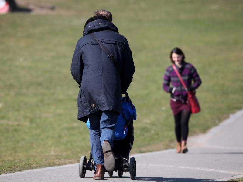 Bericht: Fortschritte bei Vereinbarkeit von Beruf und Familie