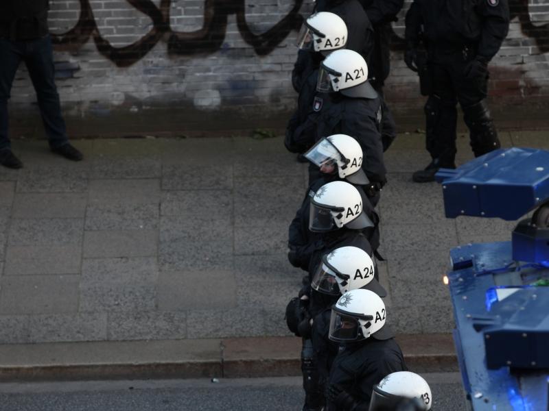 Polizei bei Anti-G20-Protest in Hamburg Quelle über dts Nachrichtenagentur