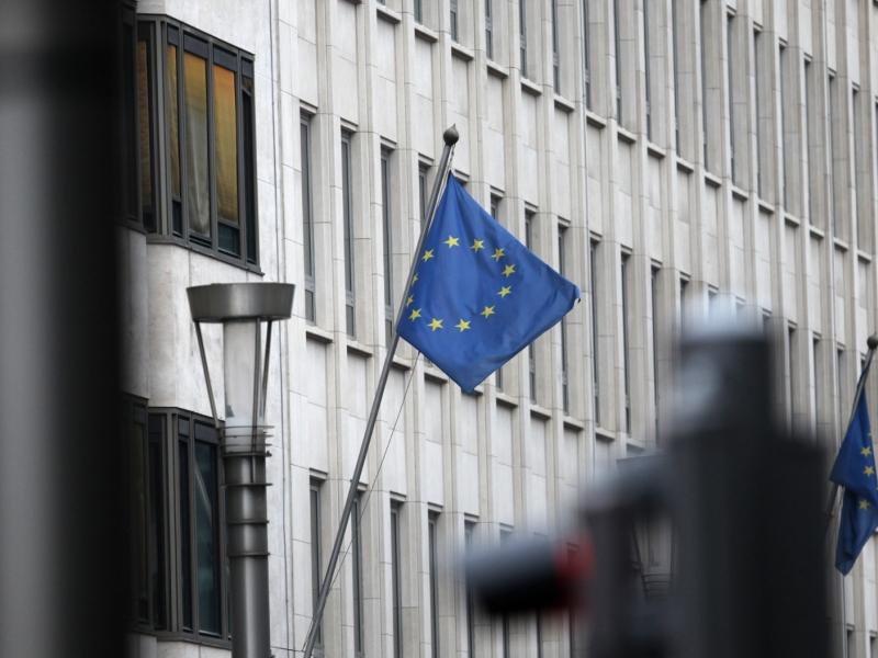 May will gleichzeitige Verhandlungen über Brexit und Handelsabkommen